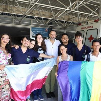 Waldemar Neves, professor da Famed, fala sobre o atendimento no Espaço Trans