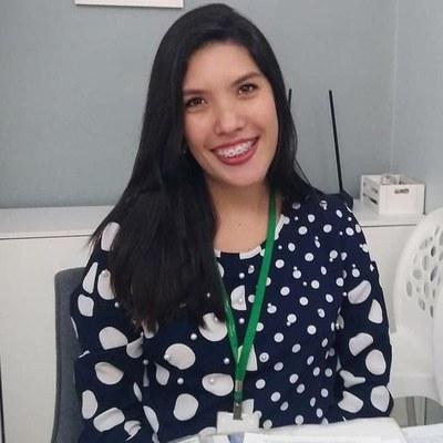 A nutricionista Isis Monteiro orienta sobre alimentação durante o isolamento